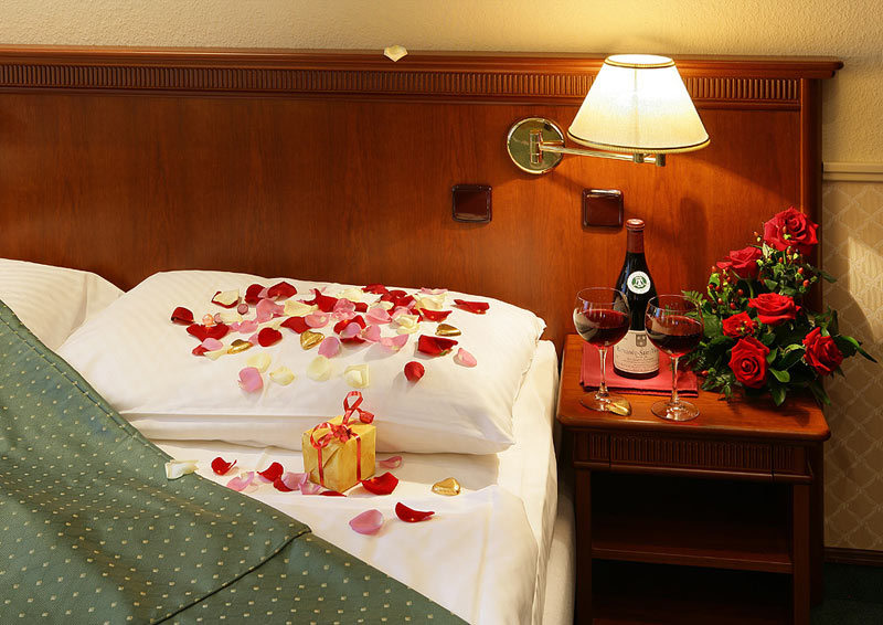 Some non clich d ideas to spice up your valentine for Valentines day ideas for hotels