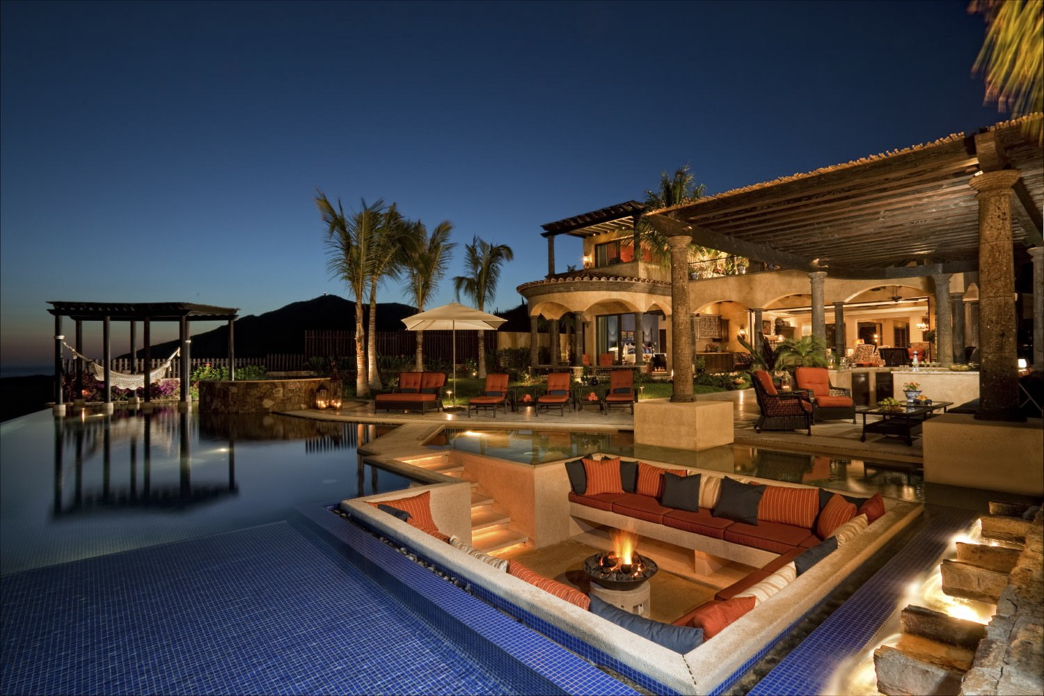 Exceptionally luxurious houses of the richest people for Houses for sale with suites