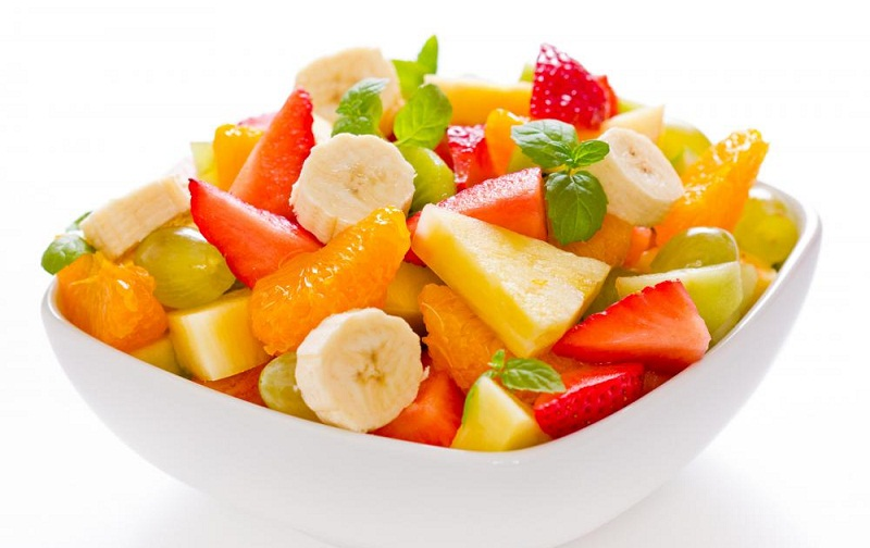 fruit salad - best snacks to beat the hunger during fasts