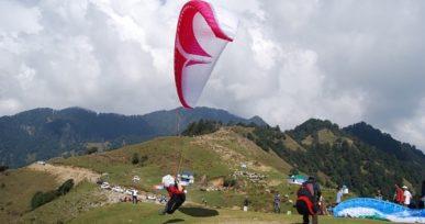 Paragliding in Bir-Billing, Himachal