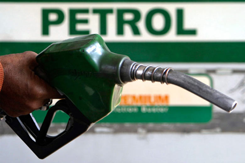 Why have Petrol Pumps stopped accepting Cards in India?