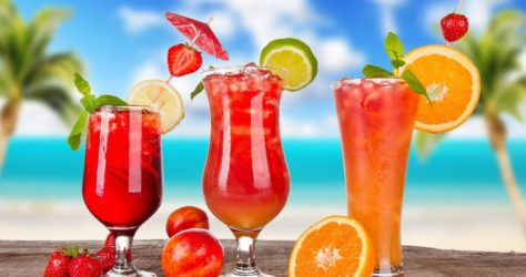 10 Figure-friendly Refreshing Homemade Drinks for Summers