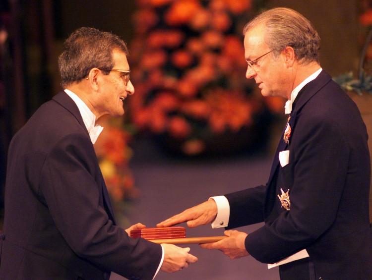 Amartya Sen Receiving Nobel Prize in 1998