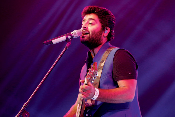 arijit singh lost his calm mid performance this is what he said