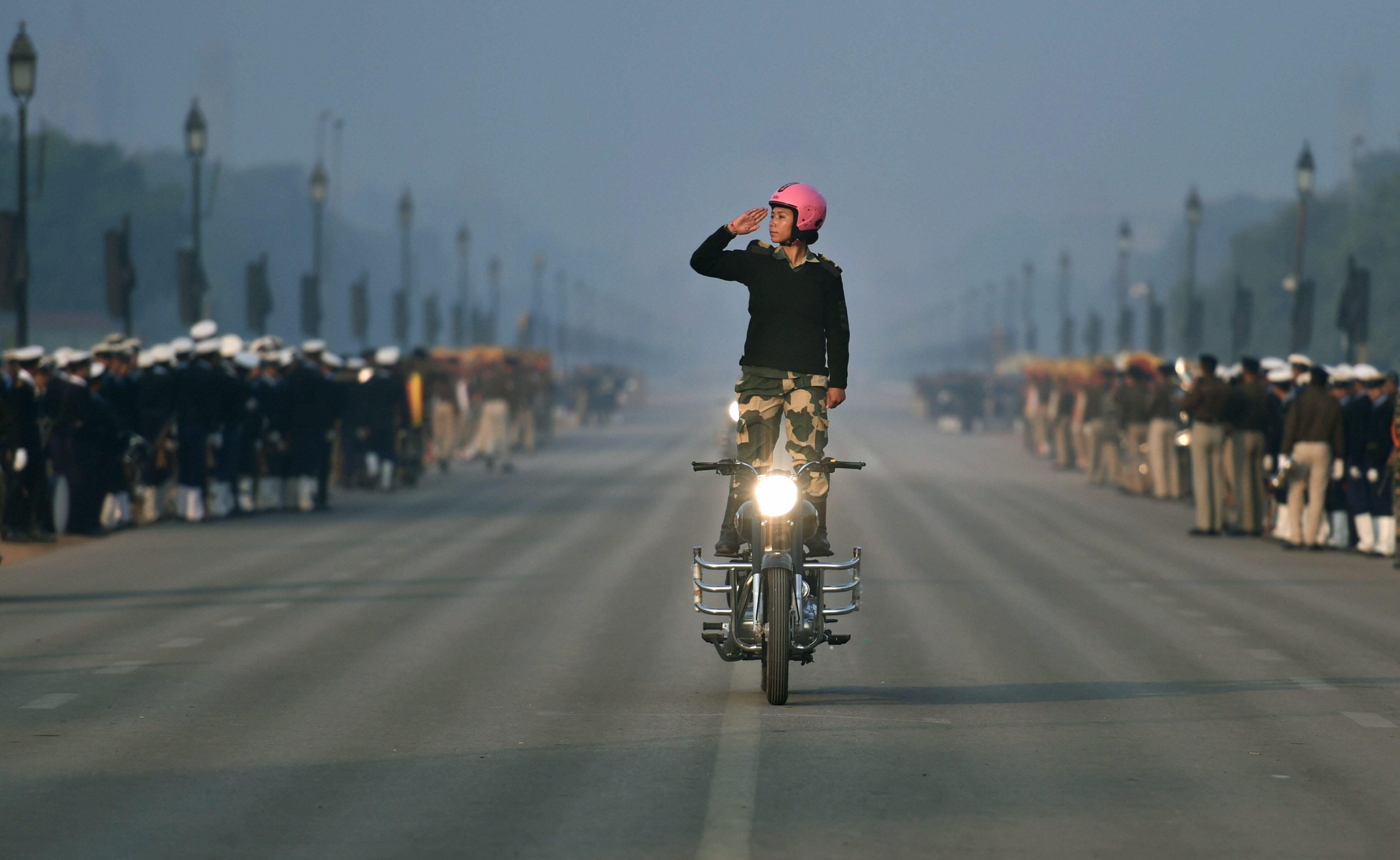 all-woman-bikers-contingent