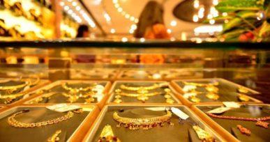 luxury-goods-jewellery-purchases