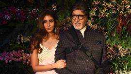 Shweta-Bachchan-Nandas-designer-sari-is-the-ultimate-wedding-multitasker