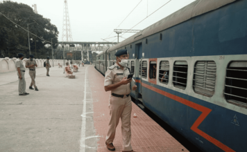 Special train to northeast, train attacked in Bihar